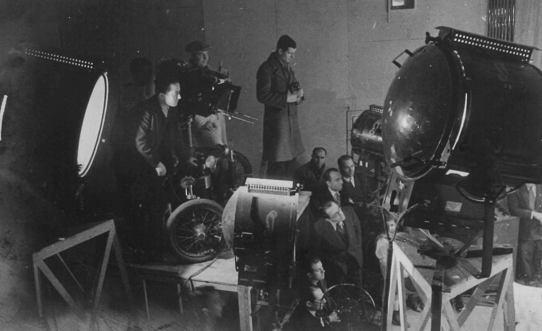 Muhsin Ertuğrul shooting a film at İpek Film Studio