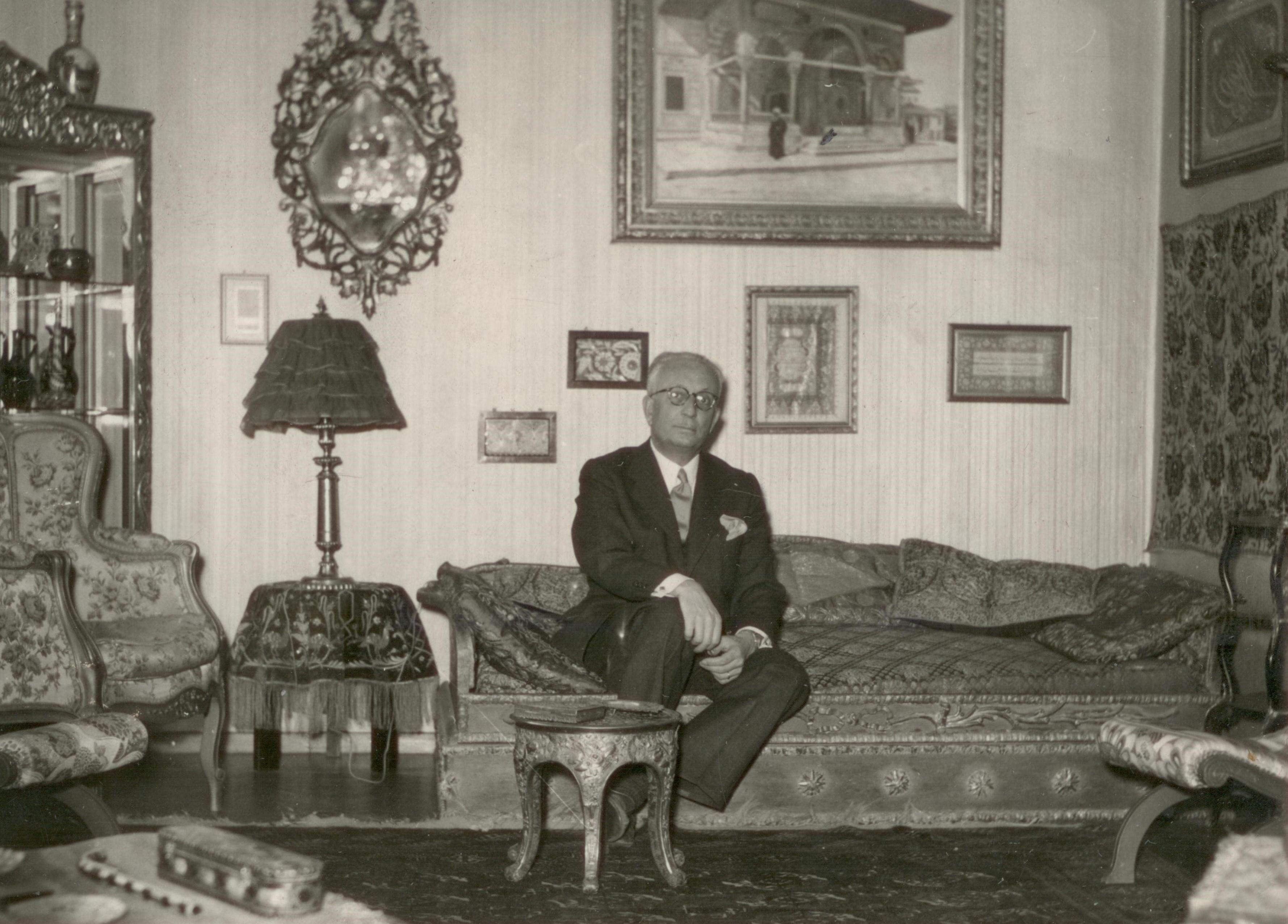 Ekrem Hakkı Ayverdi in the living room of his home in Fatih