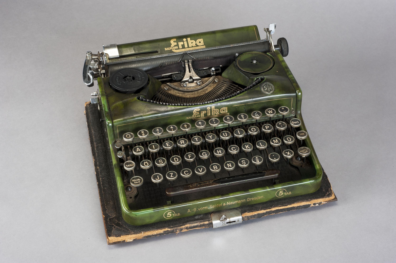 Oktay Rifat's typewriter.