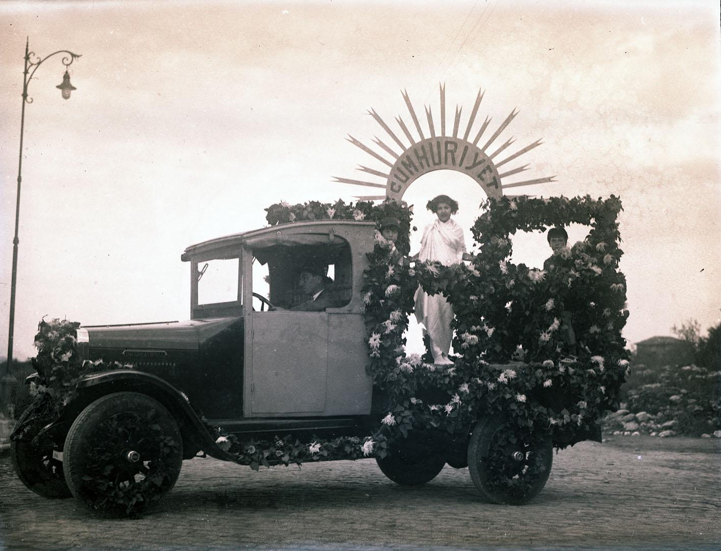 Kortej arabası,